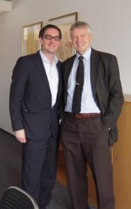 О. Манаев с директором Института ФОРСА И. Кошницке (Берлин, апрель 2012 г.)