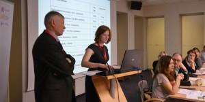 О. Манаев с дочерью Натальей выступают на международной конференции в Каунасе (апрель 2013 г.)