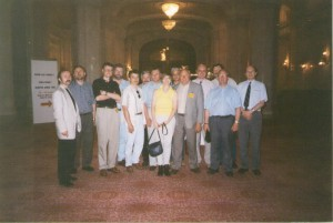 О. Манаев и А. Соснов с лидерами белорусской оппозиции на встрече с руководством ОБСЕ (Бухарест, июнь 1999 г.)